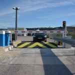 road-blocker-hertz-marseille-airport-04